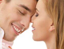 Ciptakan Suasana Romantis Saat Bercinta
