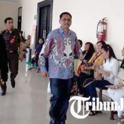 Bupati Non Aktif Sabu Raijua Jalani Sidang Perdana Dugaan Kasus Korupsi Dana Pendidikan