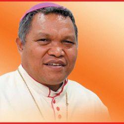 Vatikan Minta Hubertus Leteng Kembalikan dana Rp.1.450.000.000