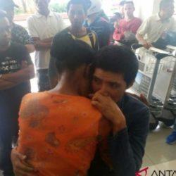 Petronela kembali ke pelukan ibunya