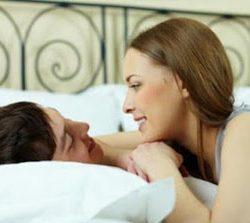 Manfaat jika Pasangan Suami Istri Selalu Tidur Bersama