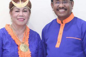 Paulina Haning Bupati Perempuan Pertama NTT
