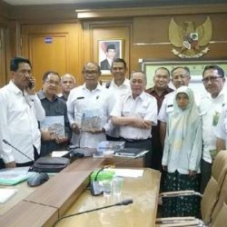 Pemprop NTT bahas TNK bersama Menteri KLH