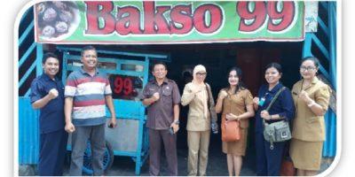 Kadiskes Kota Kupang makan Bakso 99
