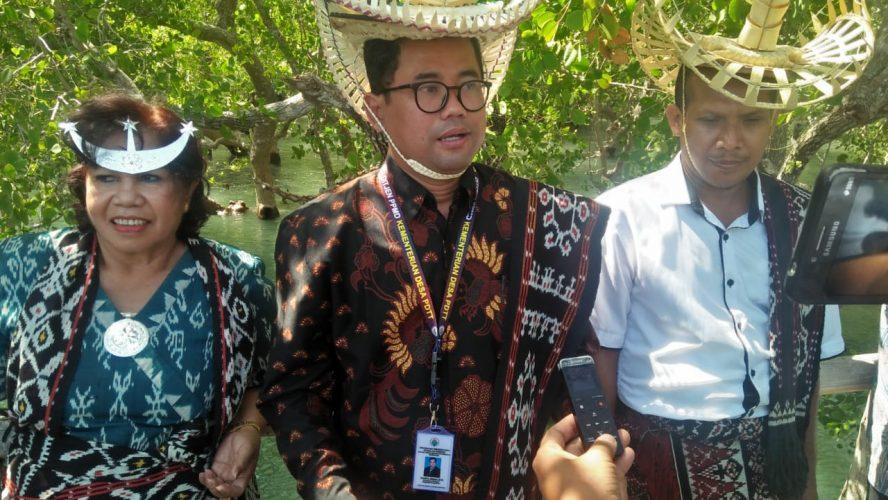 Aksi Kades Maubesi Perindah Mangrove Ndii Lifu, Dipuji Deputi Inovasi Pengelolaan Kemendesa