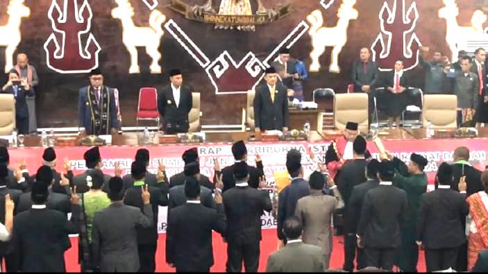 65 Anggota DPRD NTT Resmi Dilantik