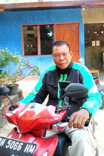 Yonathan Molum mendapat rezeki harian Rp 250ribu
