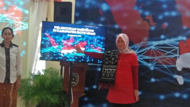 Direktur Consumer Service Telkom Launching IndiHome di Rote Ndao