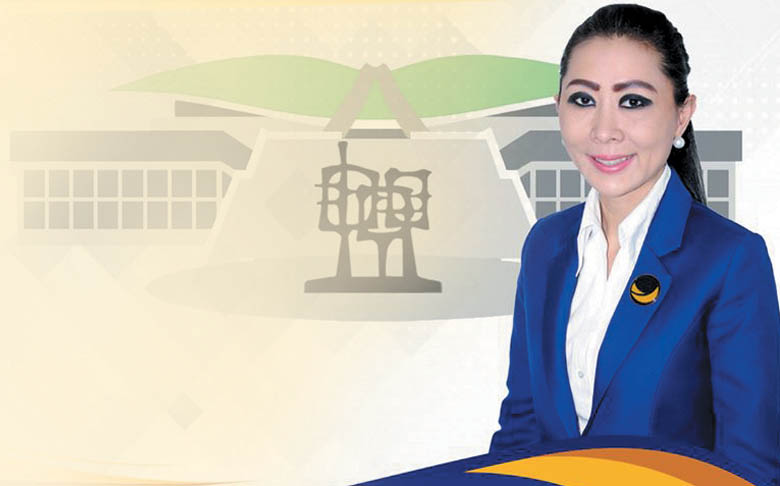 Julie Laiskodat Dilantik Jadi Anggota DPR RI
