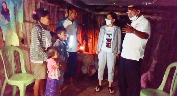 Malam-malam, Jefri Riwu Kore bersama Istri Hampiri Rumah Keluarga Yusak Boebalan di Kampung Sokon