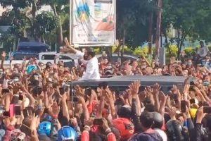 Penjelasan Istana Terkait Kerumunan Warga Saat Jokowi Kunjungi Maumere