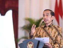 Jubir Sebut Jokowi Tegas Tolak Wacana 3 Periode, Singgung Cari Muka