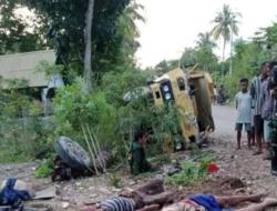Truck Terbalik di Oe'ekam Karena Roda Terlepas, 3 Penumpang Meninggal