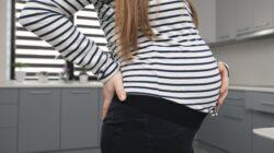 mengatasi pegal saat hamil