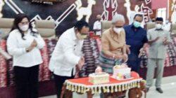 Wagub dan Ketua DPRD NTT Rayakan HUT Usai Paripurna DPRD